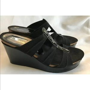 Donald J. Pliver  Black Wedge Sandals Size 8